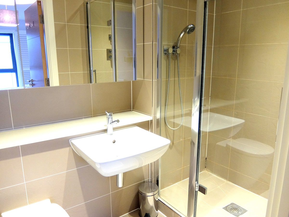 Bathroom at Teddington Apartments, Teddington, London - Citybase Apartments