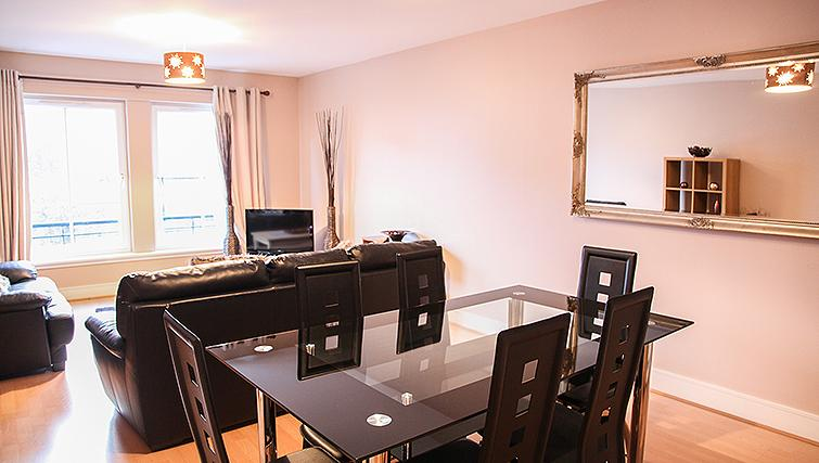 Dining area at Playhouse Apartments - Citybase Apartments