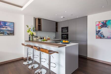 Dining area at Paddington Gardens, Paddington, London - Citybase Apartments