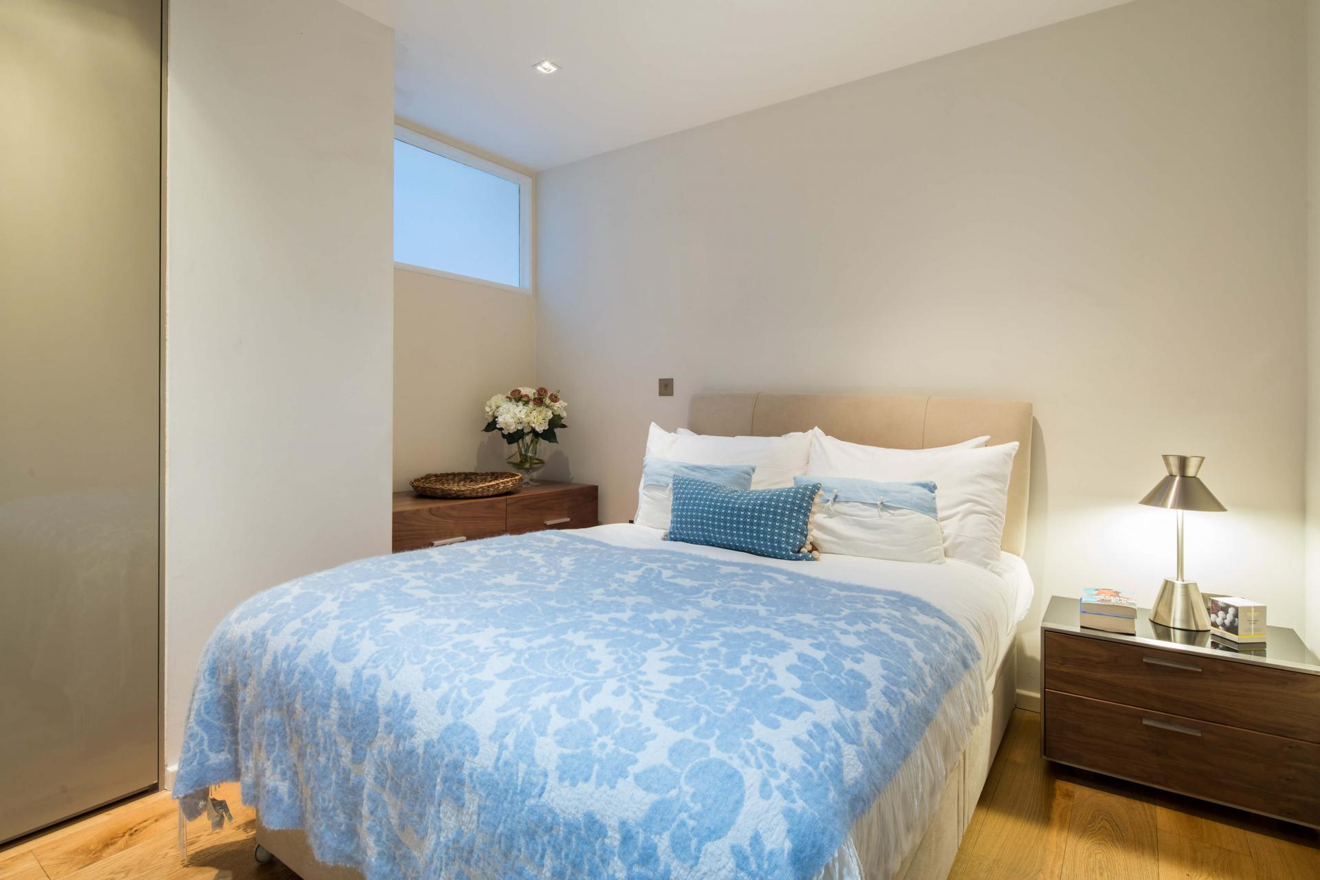 Cosy room at Meritas Court Apartments, Bayswater, London - Citybase Apartments