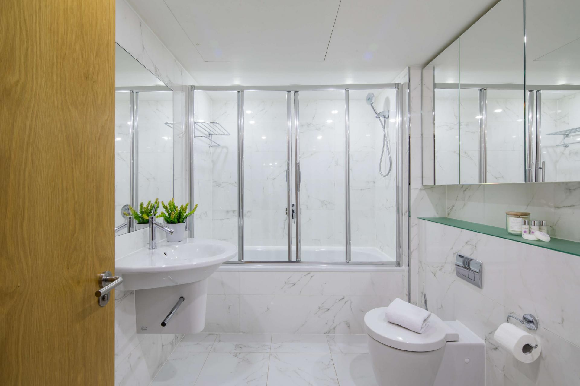 Bathroom at Meritas Court Apartments, Bayswater, London - Citybase Apartments