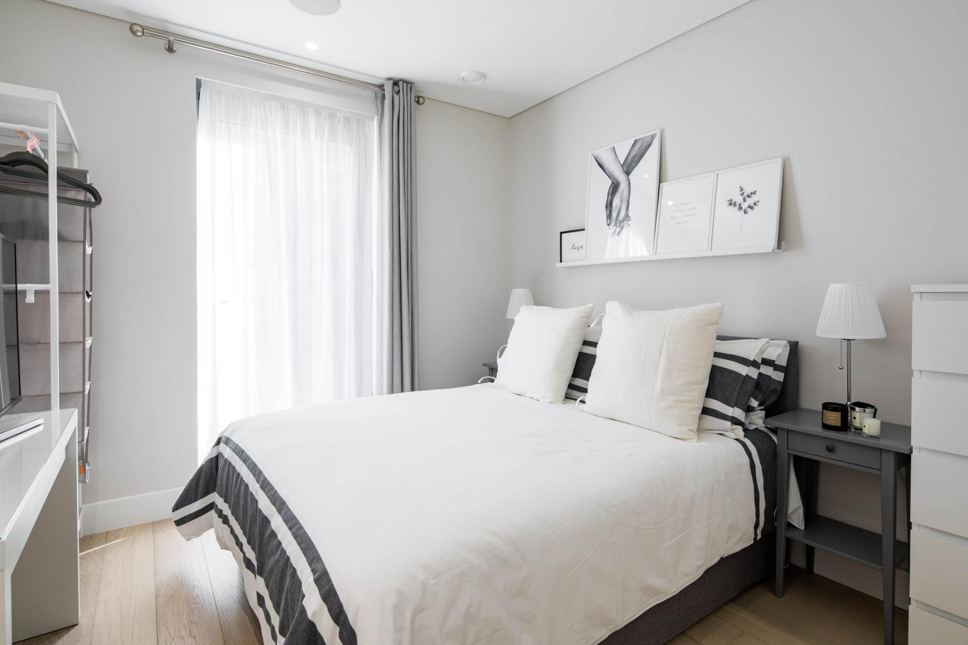 Bed at Castle Lane Apartments, Westminster, London - Citybase Apartments
