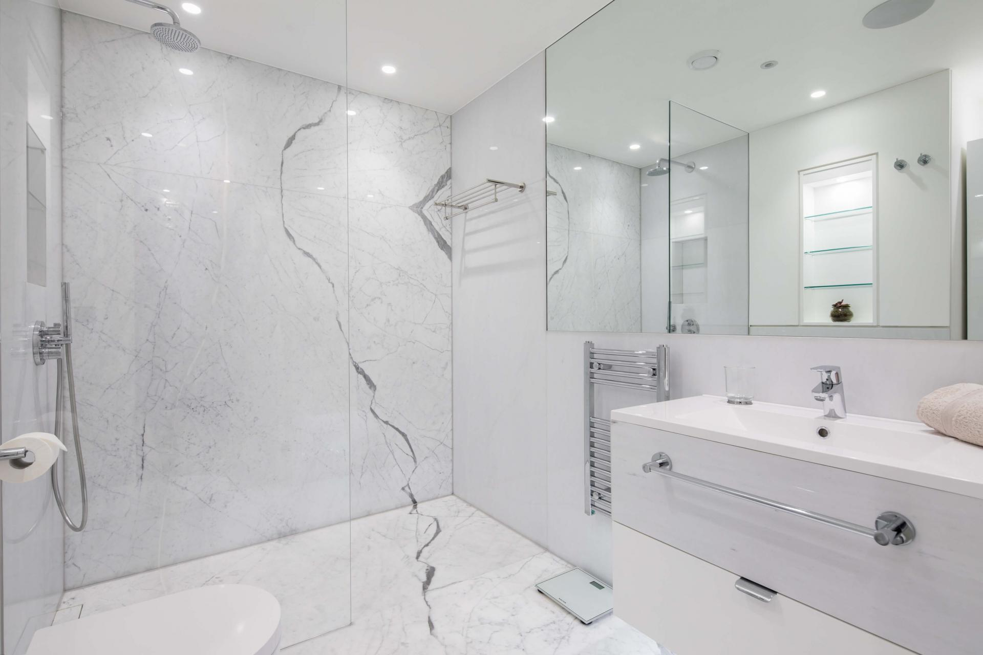 Bathroom at Castle Lane Apartments, Westminster, London - Citybase Apartments
