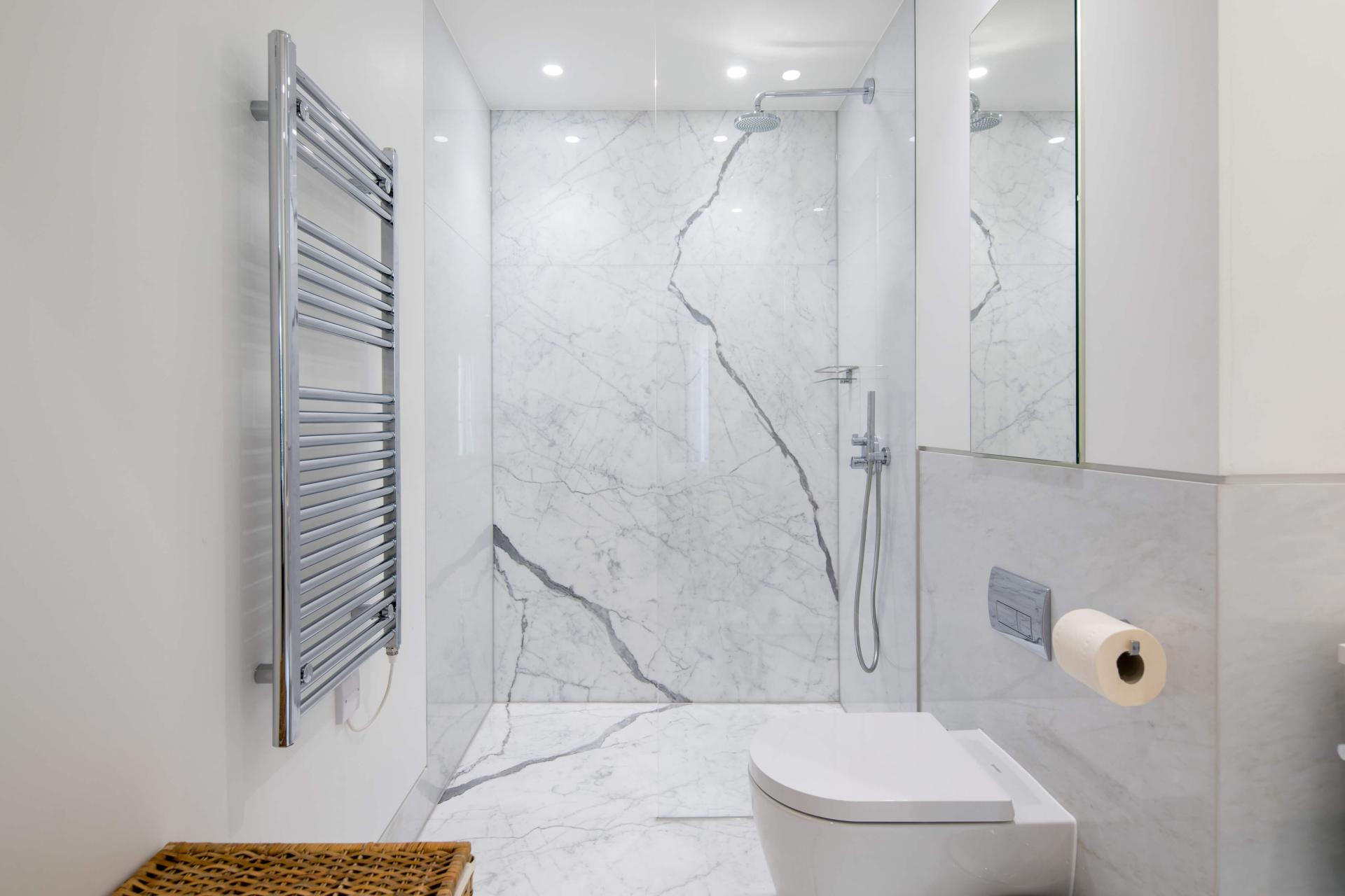 Shower at Castle Lane Apartments, Westminster, London - Citybase Apartments