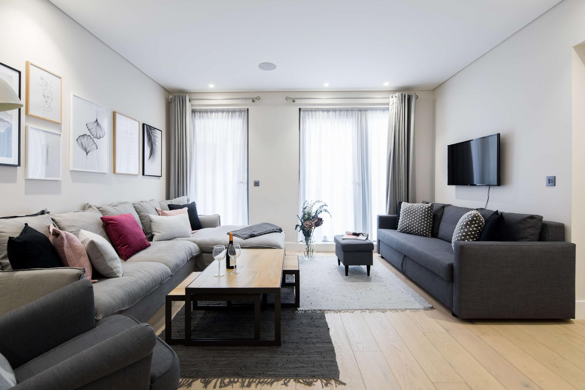 Cosy living area at Castle Lane Apartments, Westminster, London - Citybase Apartments