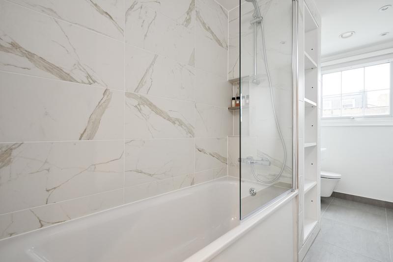 Bath at Inverness Mews, Bayswater, London - Citybase Apartments
