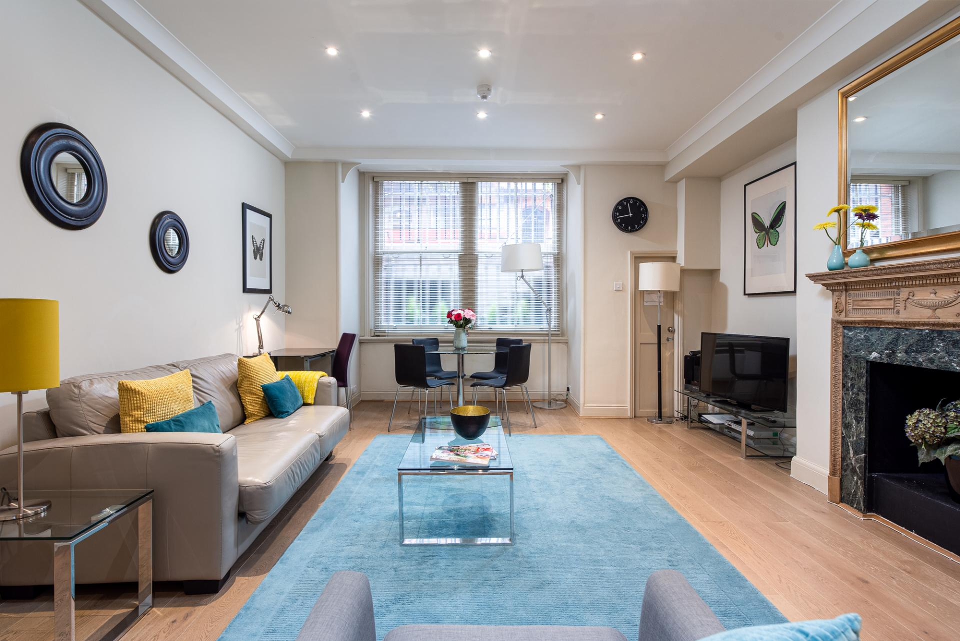 DLiving Room at raycott Place Serviced Apartments, Chelsea, London - Citybase Apartments