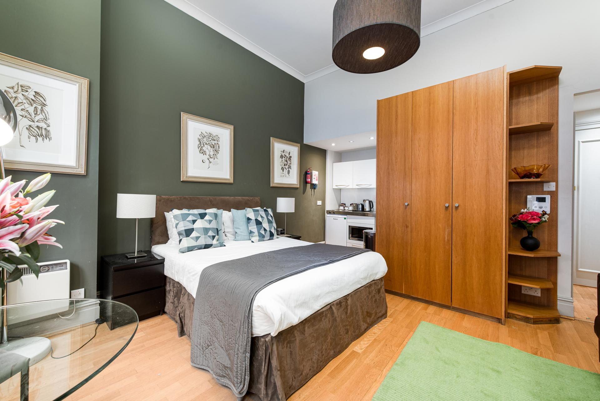 Wardrobe at Draycott Place Serviced Apartments, Chelsea, London - Citybase Apartments