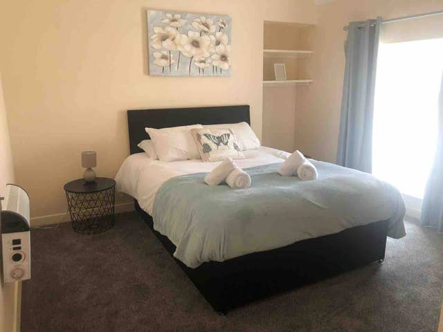 Sleep at Comfy Stays Swansea Apartments, Maritime Quarter, Swansea - Citybase Apartments
