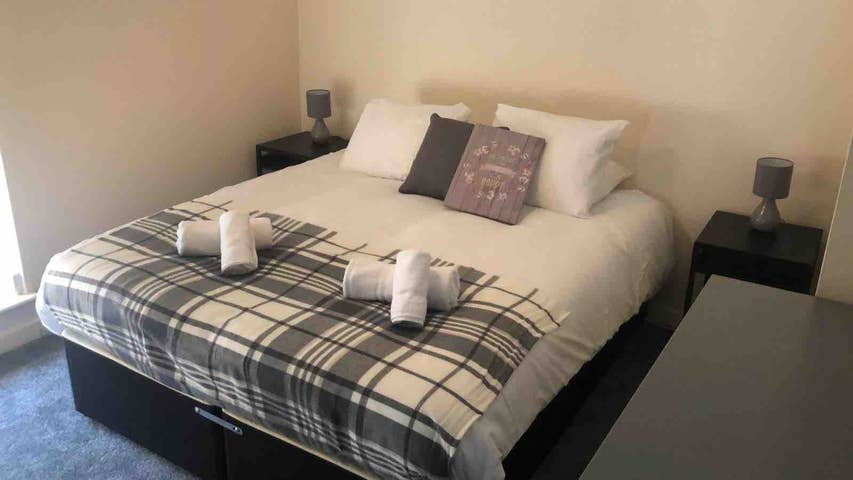 Double at Comfy Stays Swansea Apartments, Maritime Quarter, Swansea - Citybase Apartments