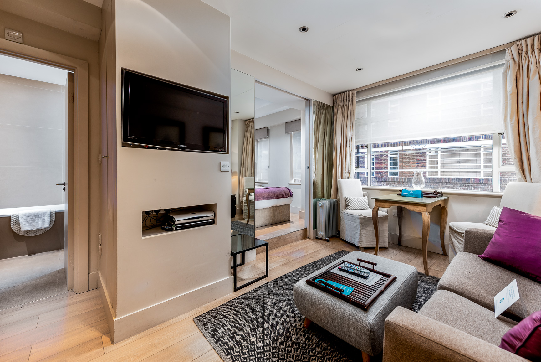TV at Nell Gwynn House Accommodation, Chelsea, London - Citybase Apartments