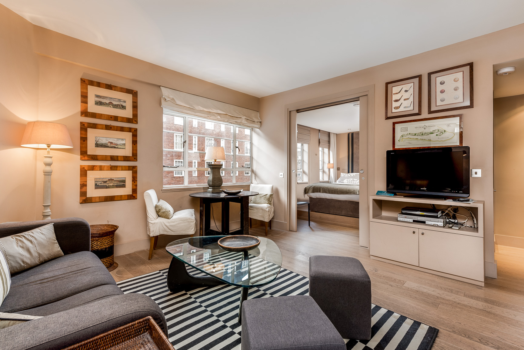 Living Room at Nell Gwynn House Accommodation, Chelsea, London - Citybase Apartments