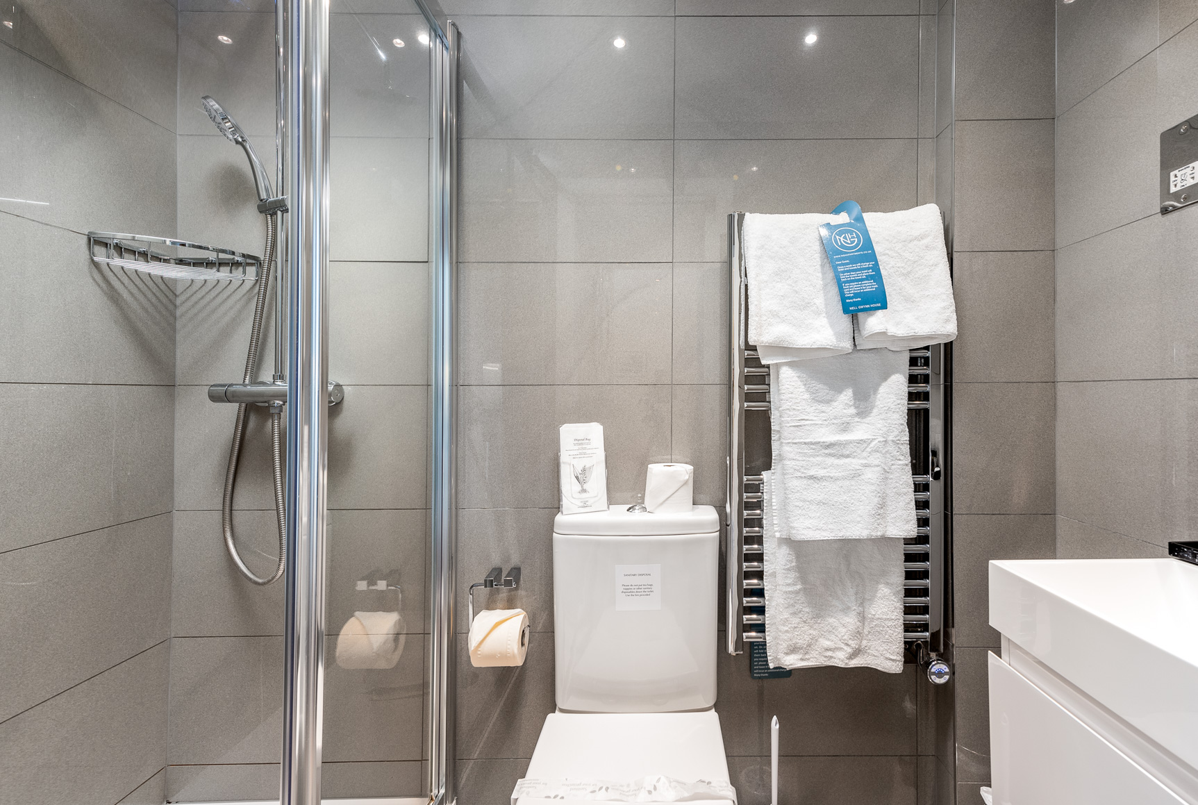 Shower at Nell Gwynn House Accommodation, Chelsea, London - Citybase Apartments