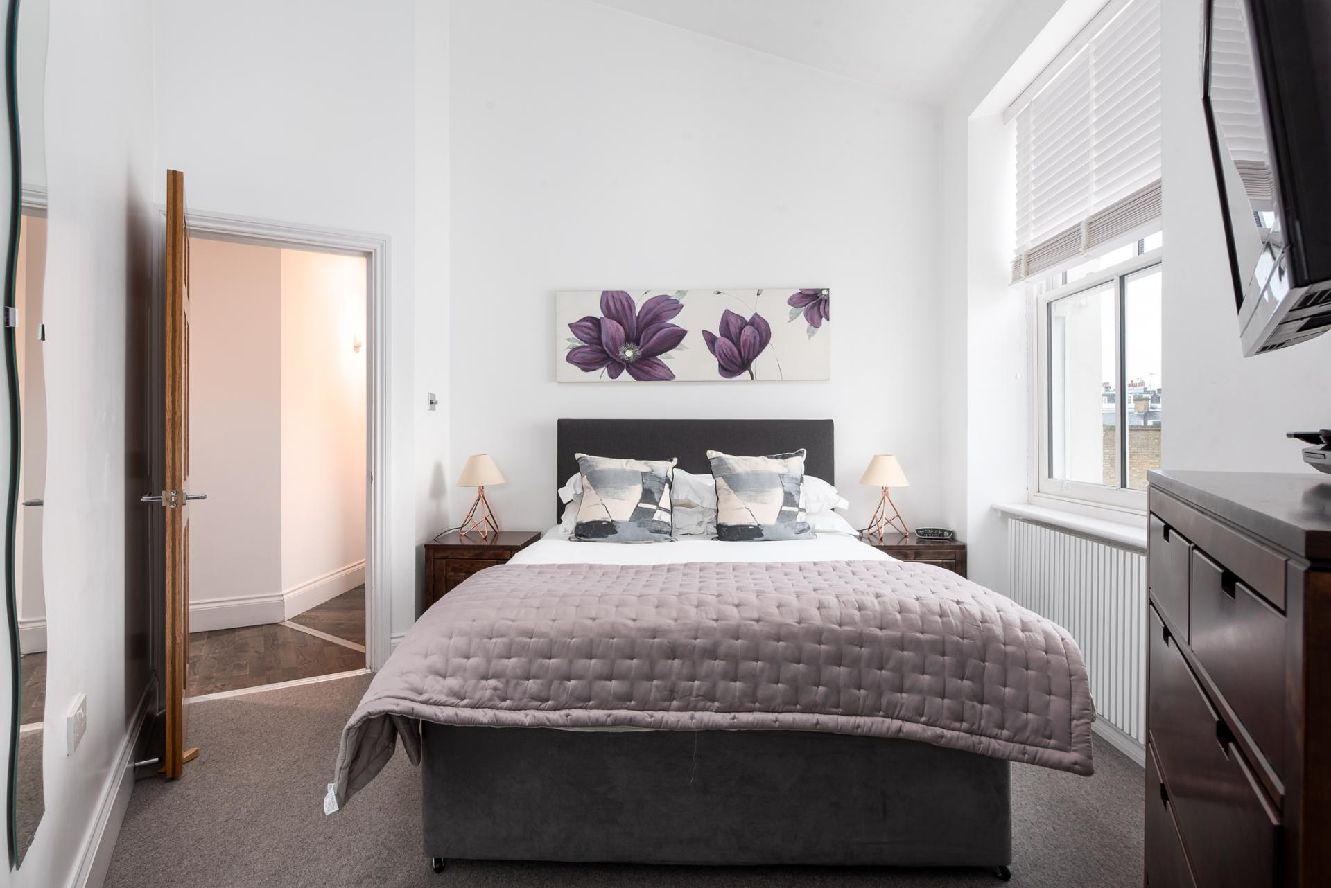 Bedroom at Chelsea Green Apartments, Chelsea, London - Citybase Apartments