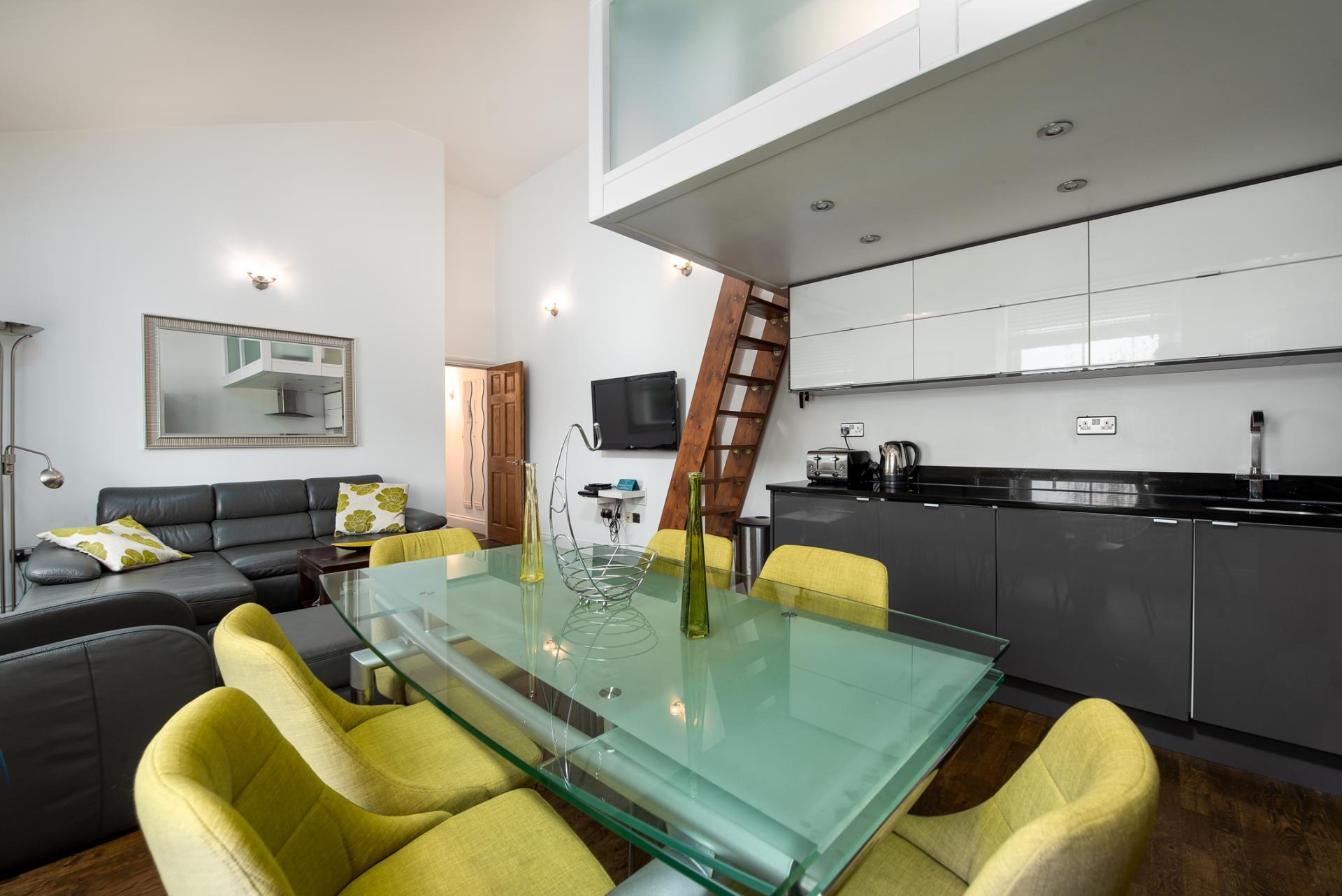 Dining area at Chelsea Green Apartments, Chelsea, London - Citybase Apartments