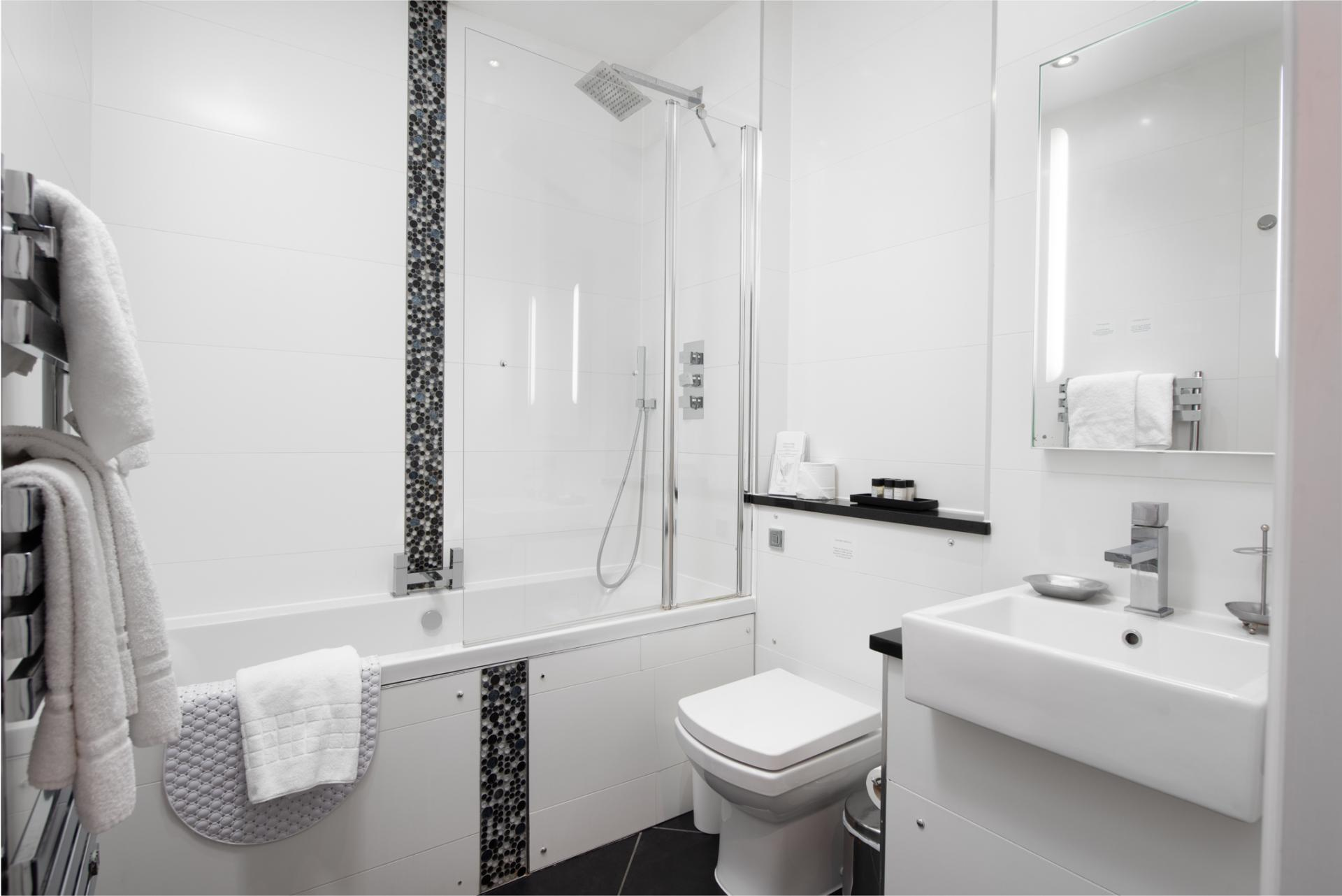 Bathroom at Chelsea Green Apartments, Chelsea, London - Citybase Apartments