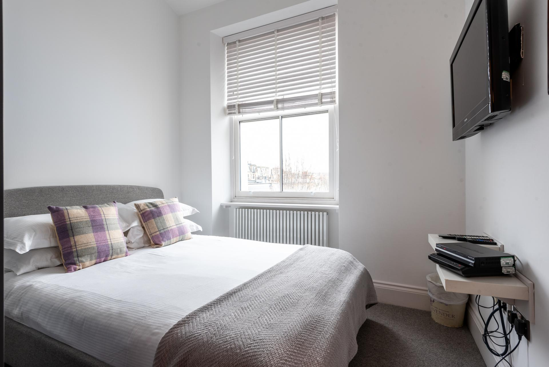 Bedding at Chelsea Green Apartments, Chelsea, London - Citybase Apartments