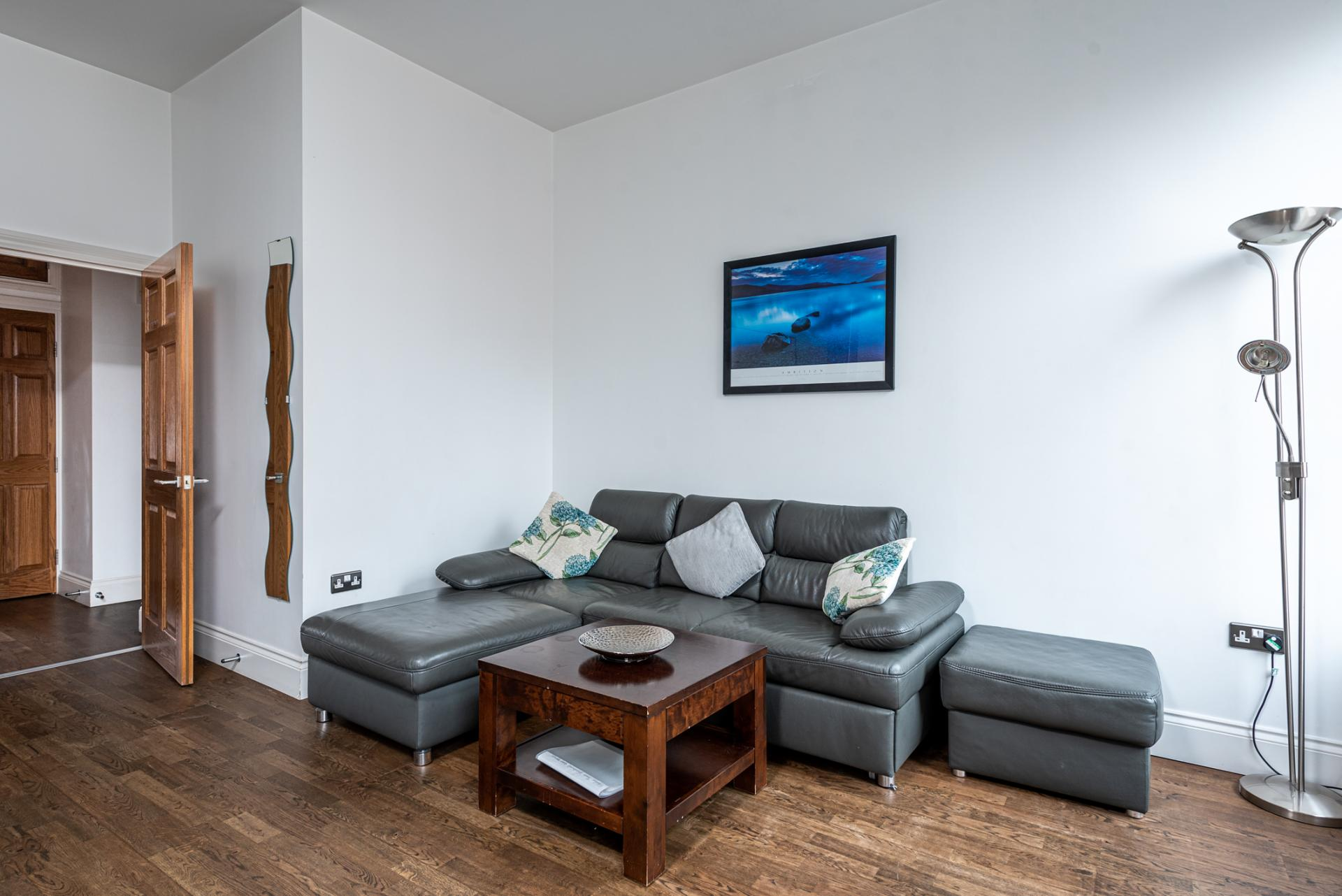 Living area at Chelsea Green Apartments, Chelsea, London - Citybase Apartments