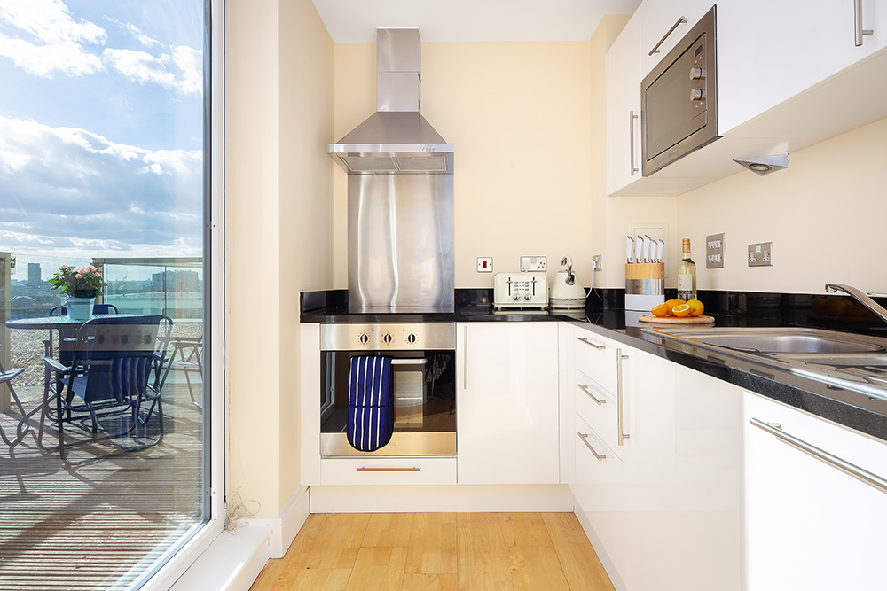 Kitchen at Lanterns Court, Canary Wharf, London - Citybase Apartments