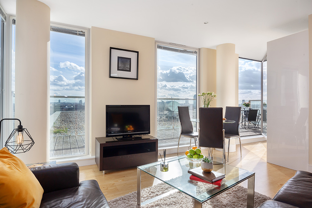 Living Room at Lanterns Court, Canary Wharf, London - Citybase Apartments
