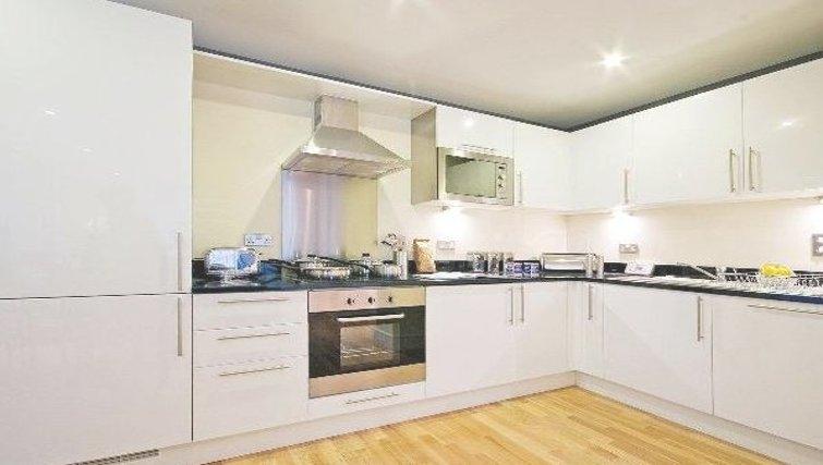 Stunning kitchen in Oakwood Lanterns Court - Citybase Apartments