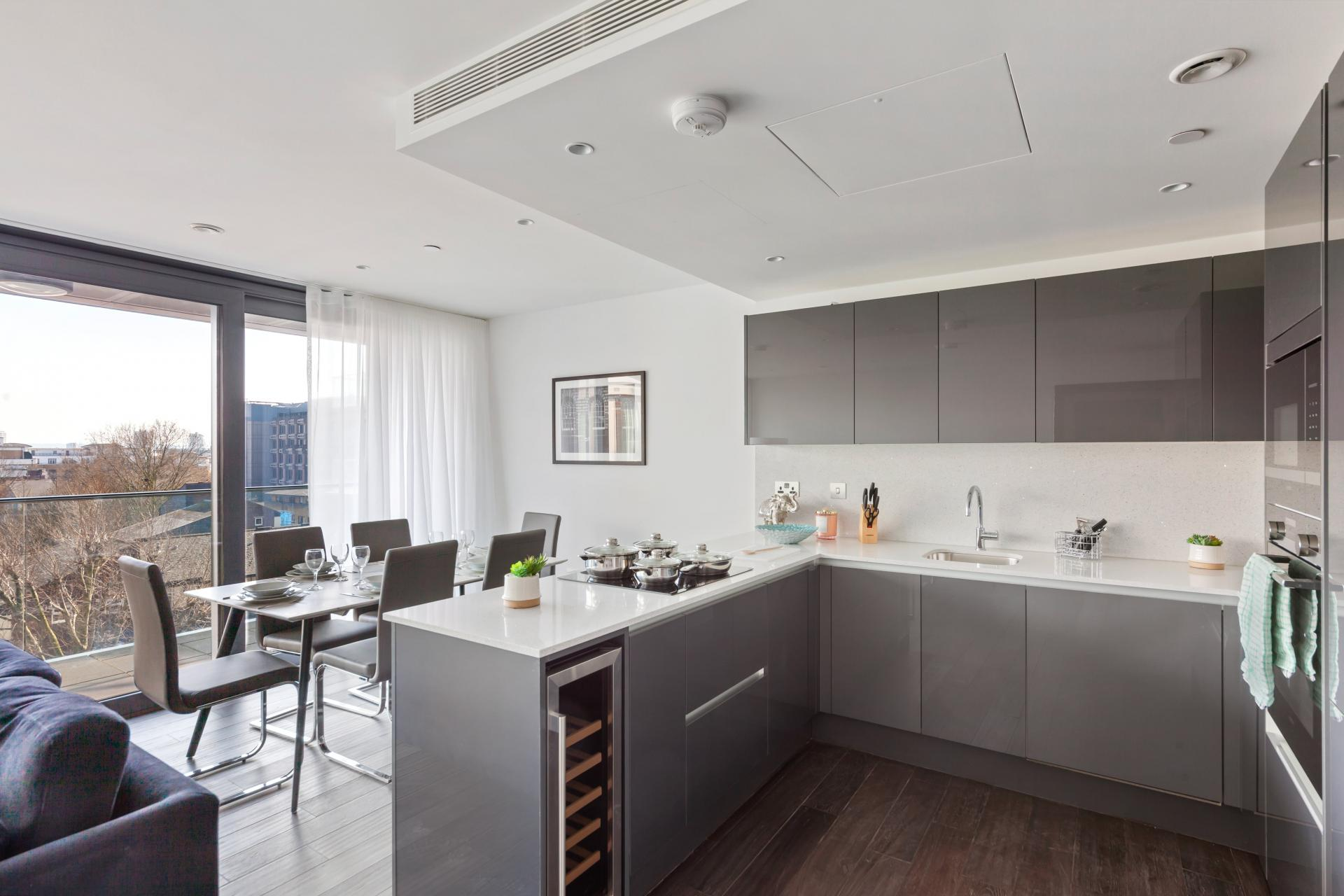 Kitchen at The Residence Tower Hill, Whitechapel, London - Citybase Apartments