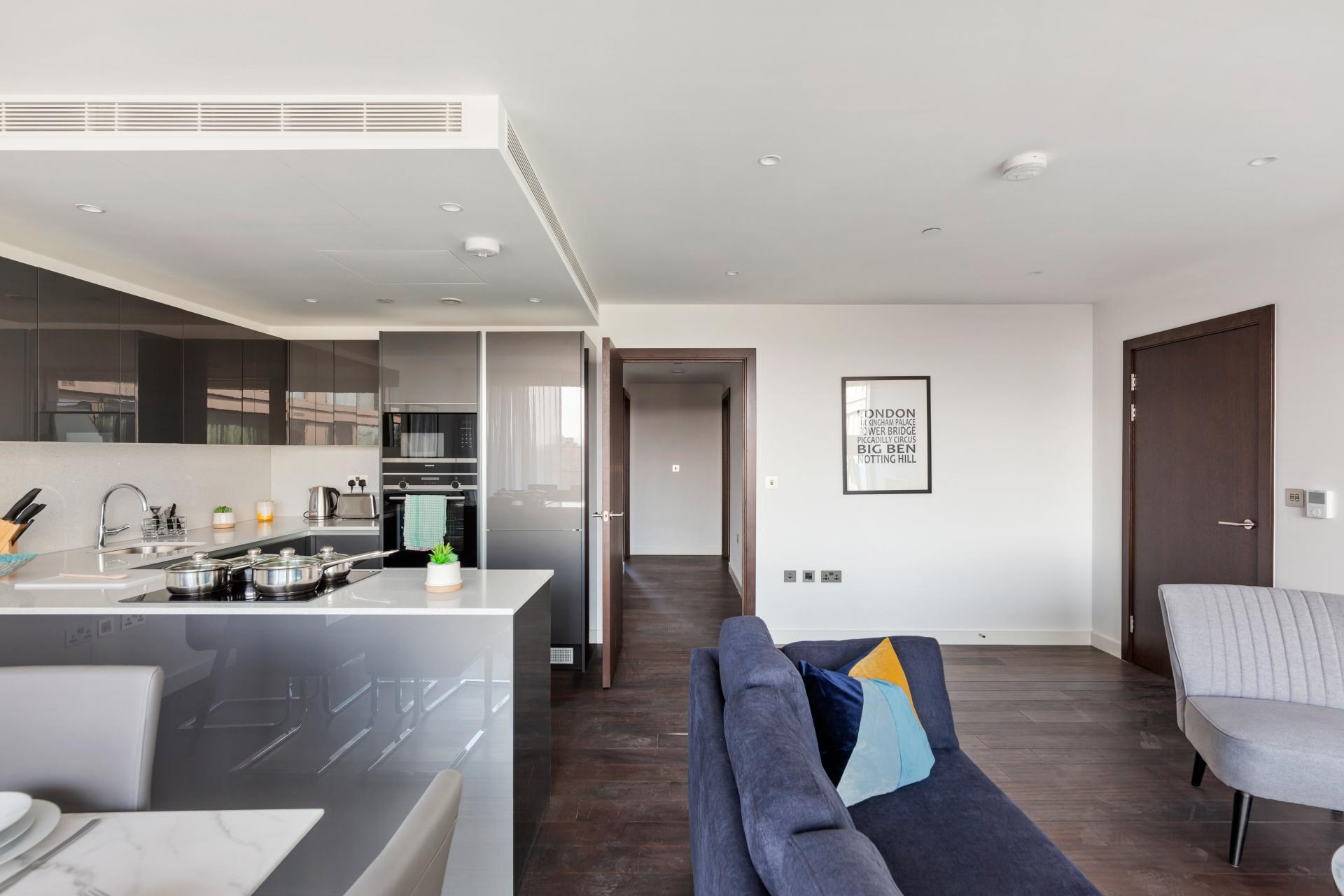 Open-plan at The Residence Tower Hill, Whitechapel, London - Citybase Apartments