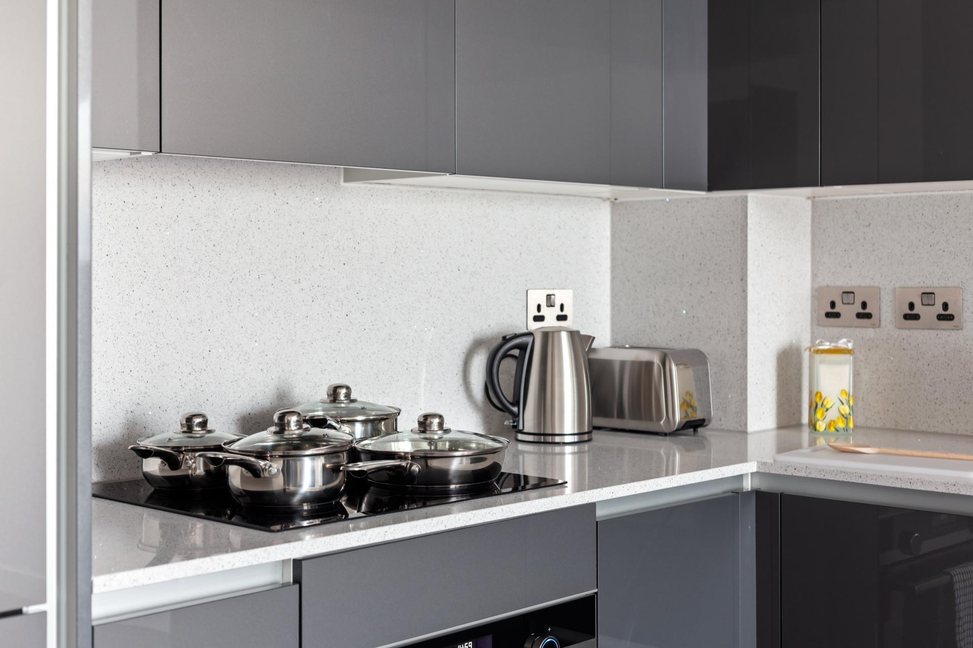 Worktop at The Residence Tower Hill, Whitechapel, London - Citybase Apartments
