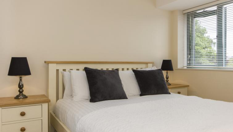 Superb bedroom in Dove House Apartments - Citybase Apartments