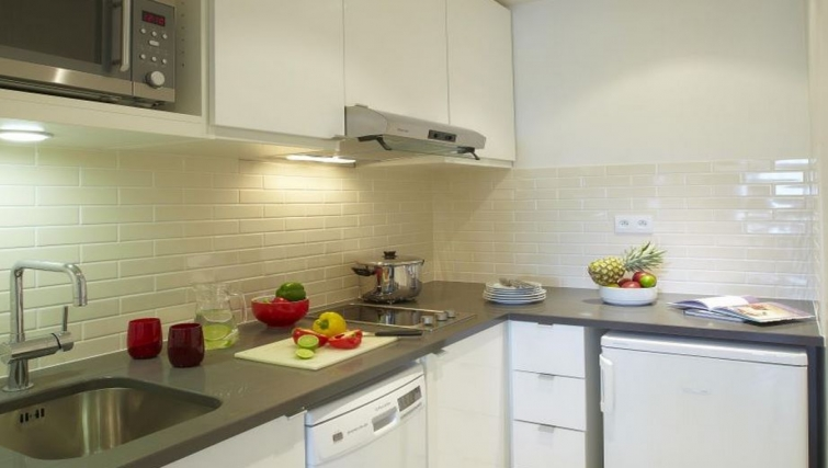 Bright kitchen in Citadines Maine Montparnasse Apartments - Citybase Apartments