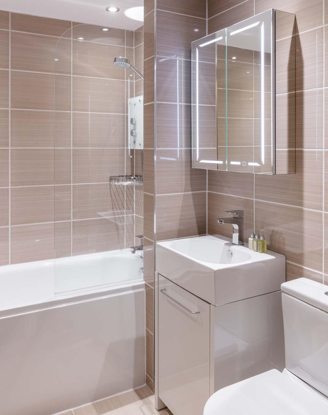 Airy Bathroom in SACO Nottingham - The Ropewalk - Citybase Apartments