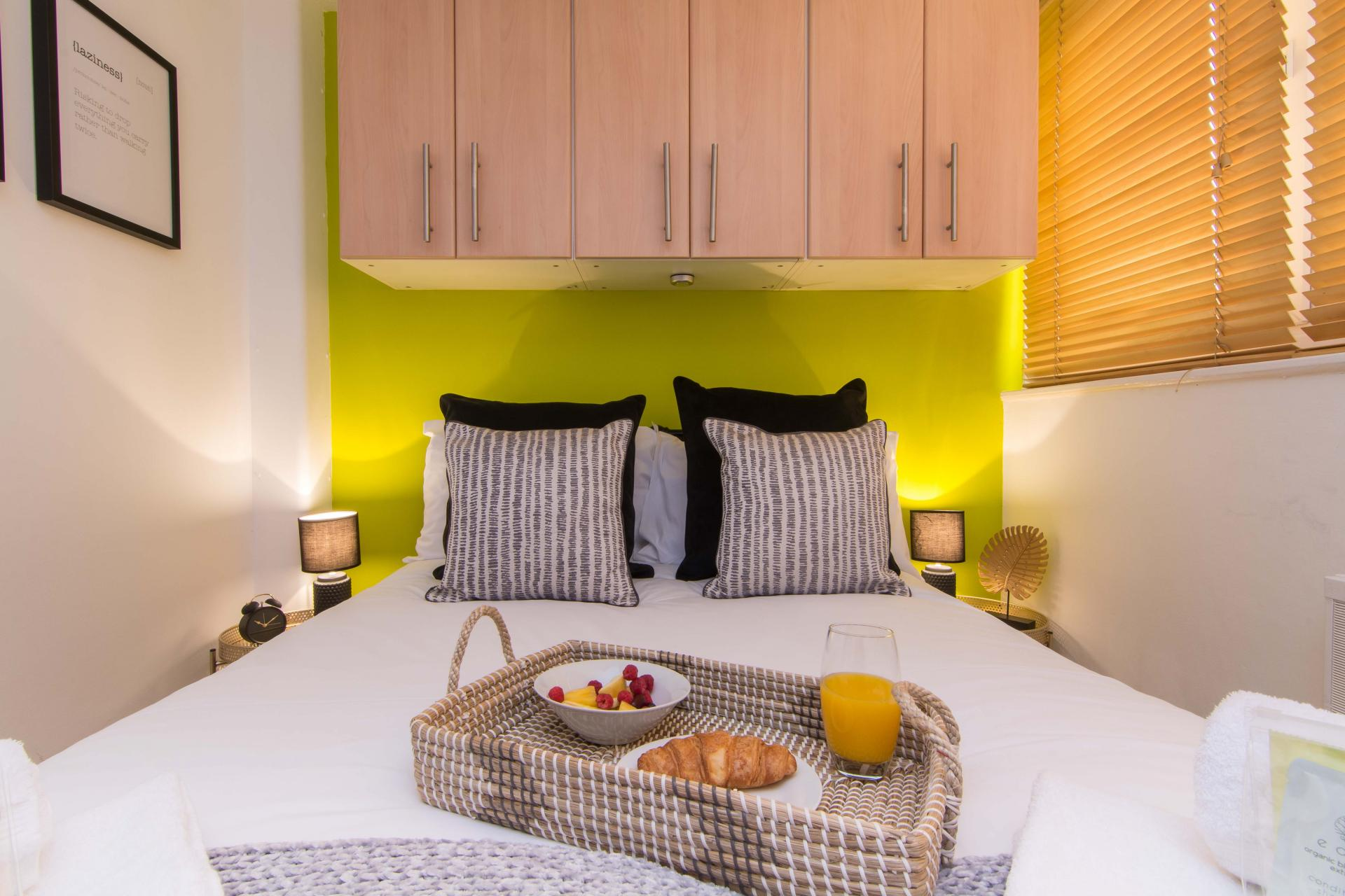 Bedroom at Victoria Centre Apartment, Centre, Nottingham - Citybase Apartments
