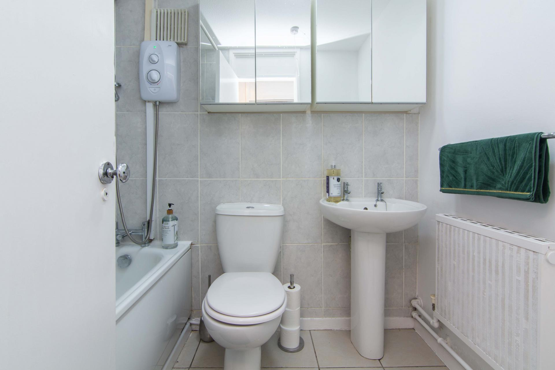 Bathroom at Victoria Centre Apartment, Centre, Nottingham - Citybase Apartments