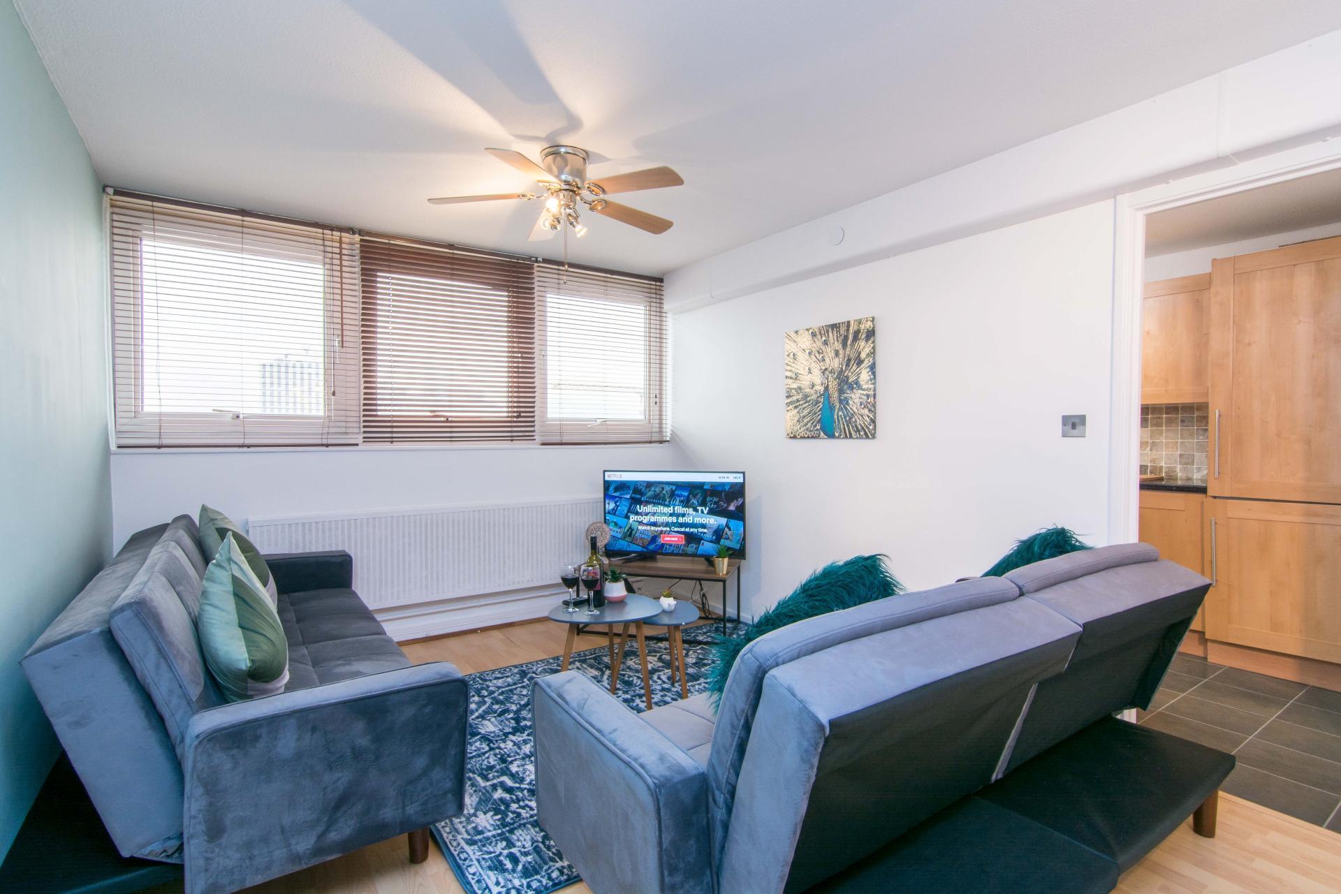 Living area at Victoria Centre Apartment, Centre, Nottingham - Citybase Apartments