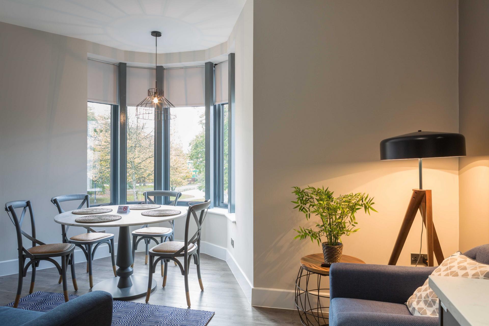 Living room at Park Lane Aparthotel, Centre, Cardiff - Citybase Apartments