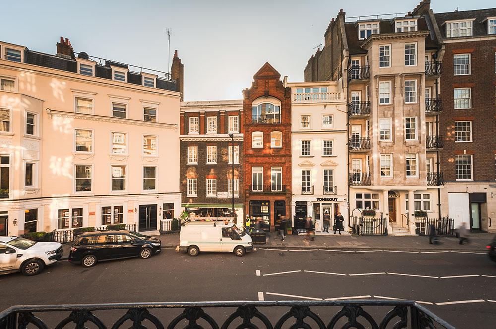 Exterior of 10 Curzon Street Apartments, Mayfair, London - Citybase Apartments