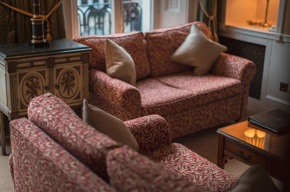 Sofas at 10 Curzon Street Apartments, Mayfair, London - Citybase Apartments