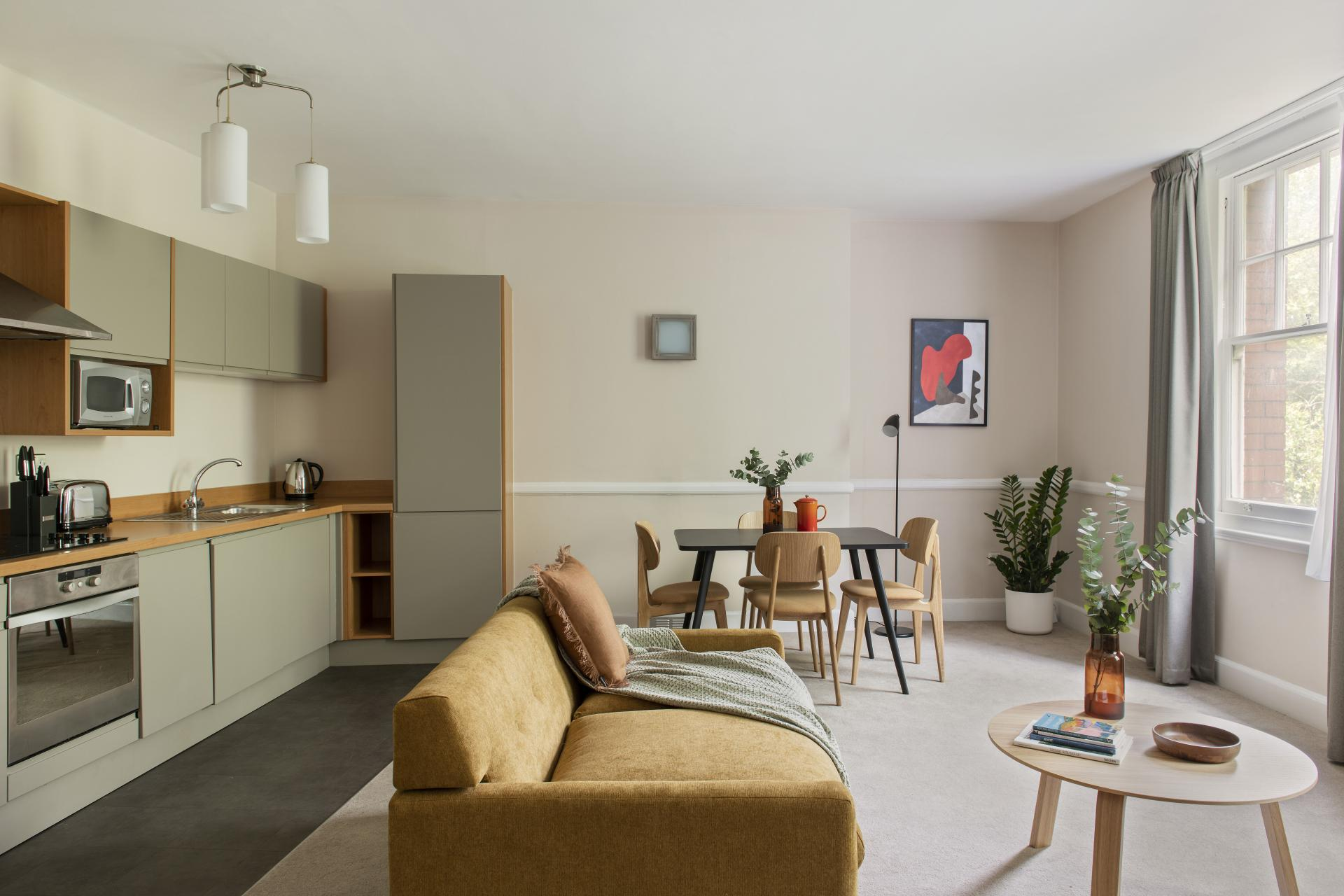 Living area at Cove West India House, Waterfront, Bristol - Citybase Apartments