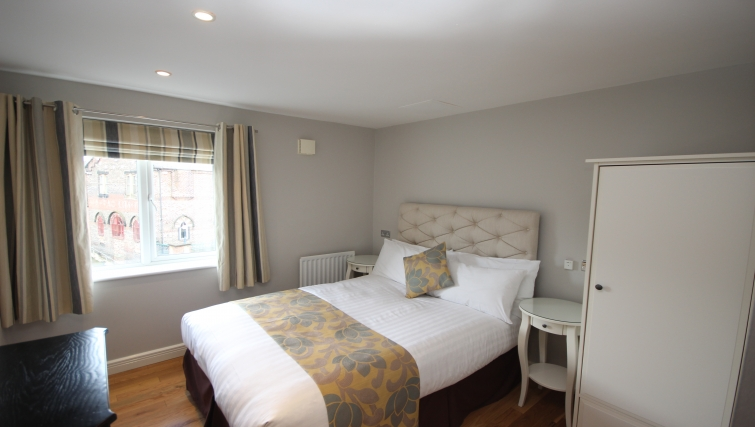 Cosy bedroom in High Quays Apartments - Citybase Apartments