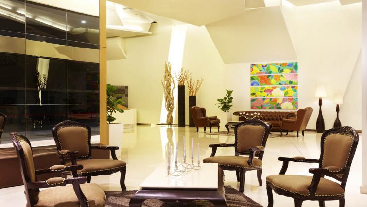 Communal lobby at PARKROYAL Serviced Suites Kuala Lumpur - Citybase Apartments