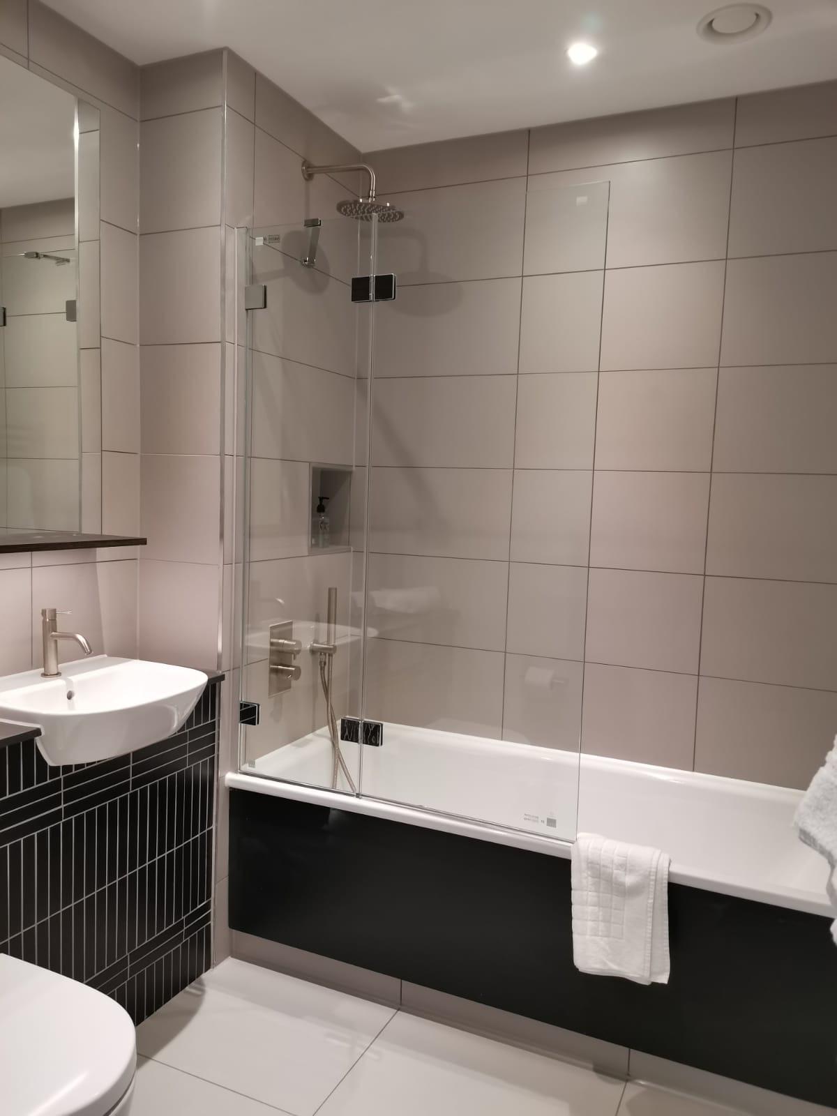 Bathroom at Heathrow North Apartments, Hounslow, London - Citybase Apartments