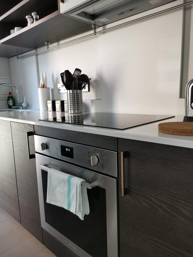 Cooker at Heathrow North Apartments, Hounslow, London - Citybase Apartments