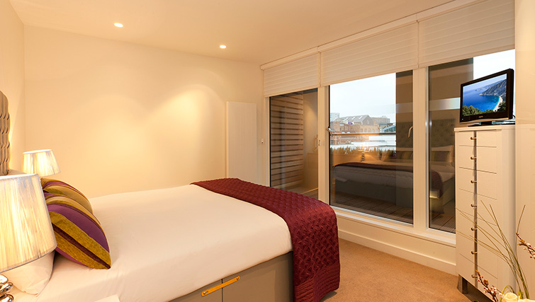 Double bed at SACO Covent Garden - St Martin's - Citybase Apartments