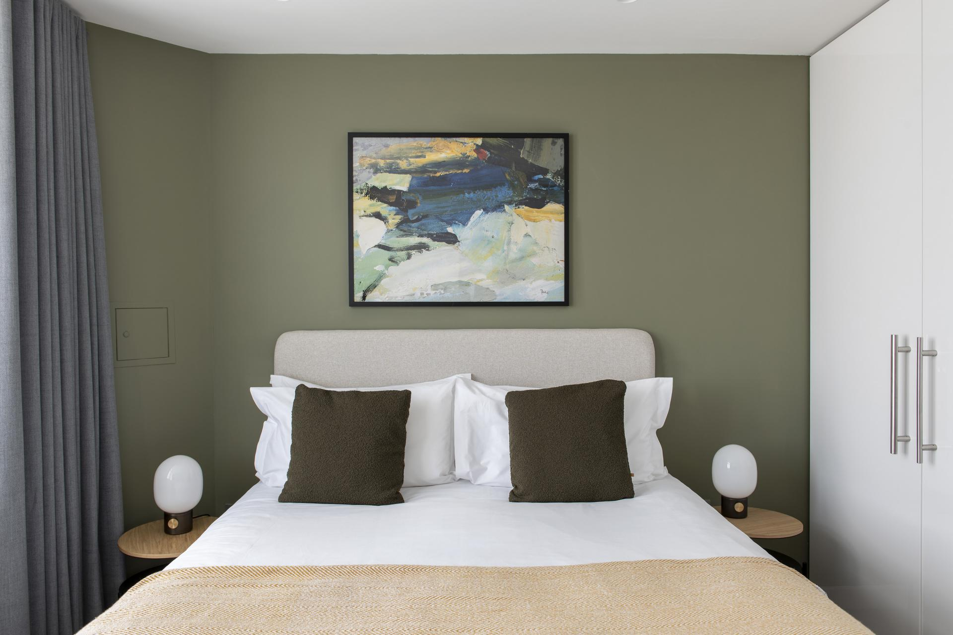 Bed at Cove St Martin's, Covent Garden, London - Citybase Apartments