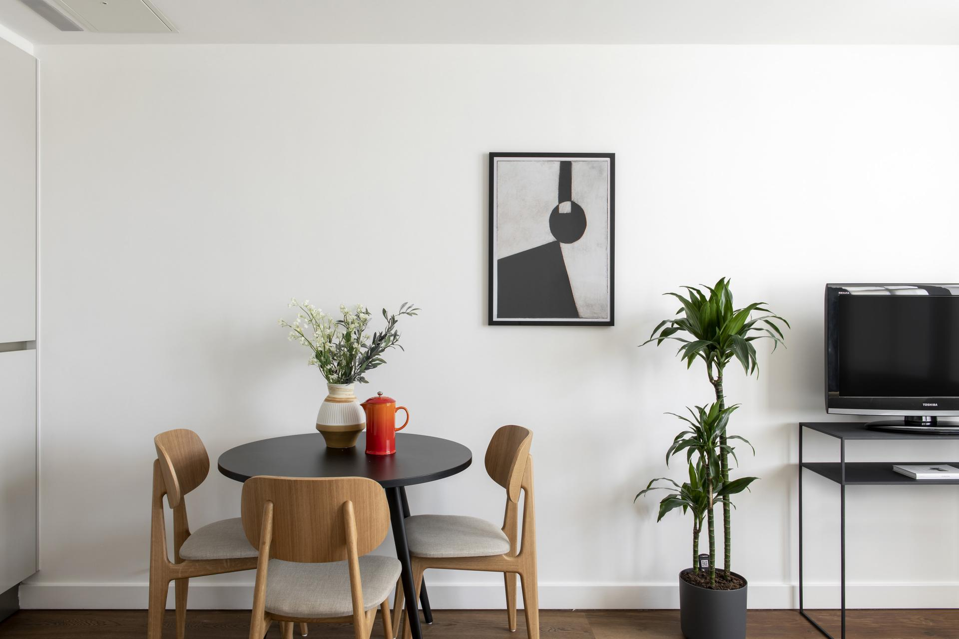 Table at Cove St Martin's, Covent Garden, London - Citybase Apartments