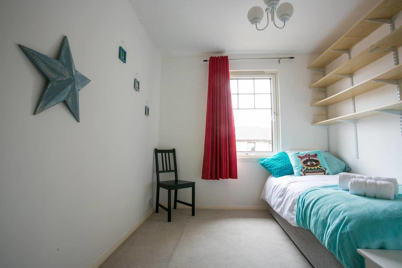 Bed at Allenvale Gardens House, Ruthrieston, Aberdeen - Citybase Apartments