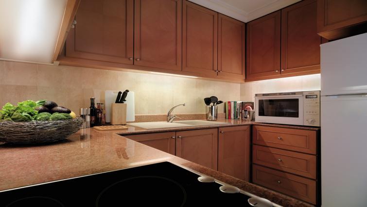 Kitchen at Shangri-La Apartments Singapore - Citybase Apartments