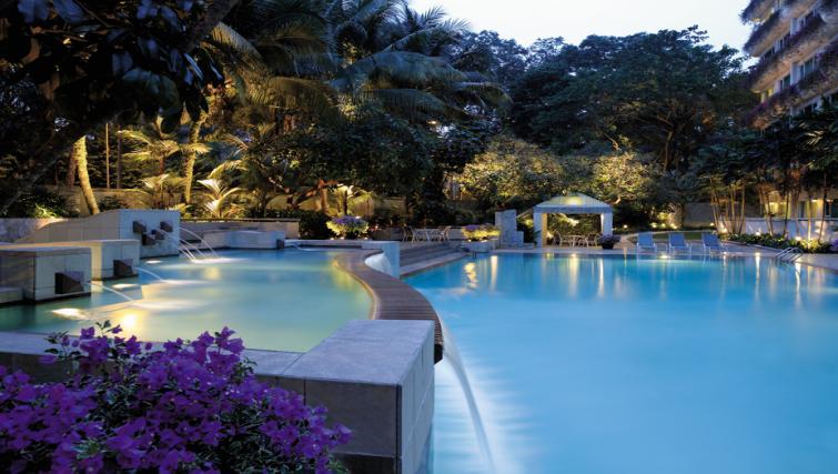 Pool at Shangri-La Apartments Singapore - Citybase Apartments