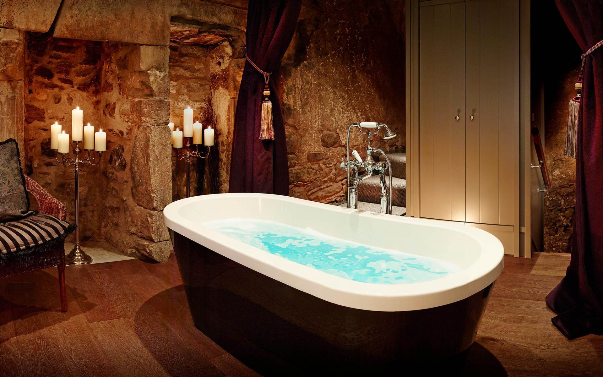 Bath at Cheval Old Town Chambers, Old Town, Edinburgh - Citybase Apartments
