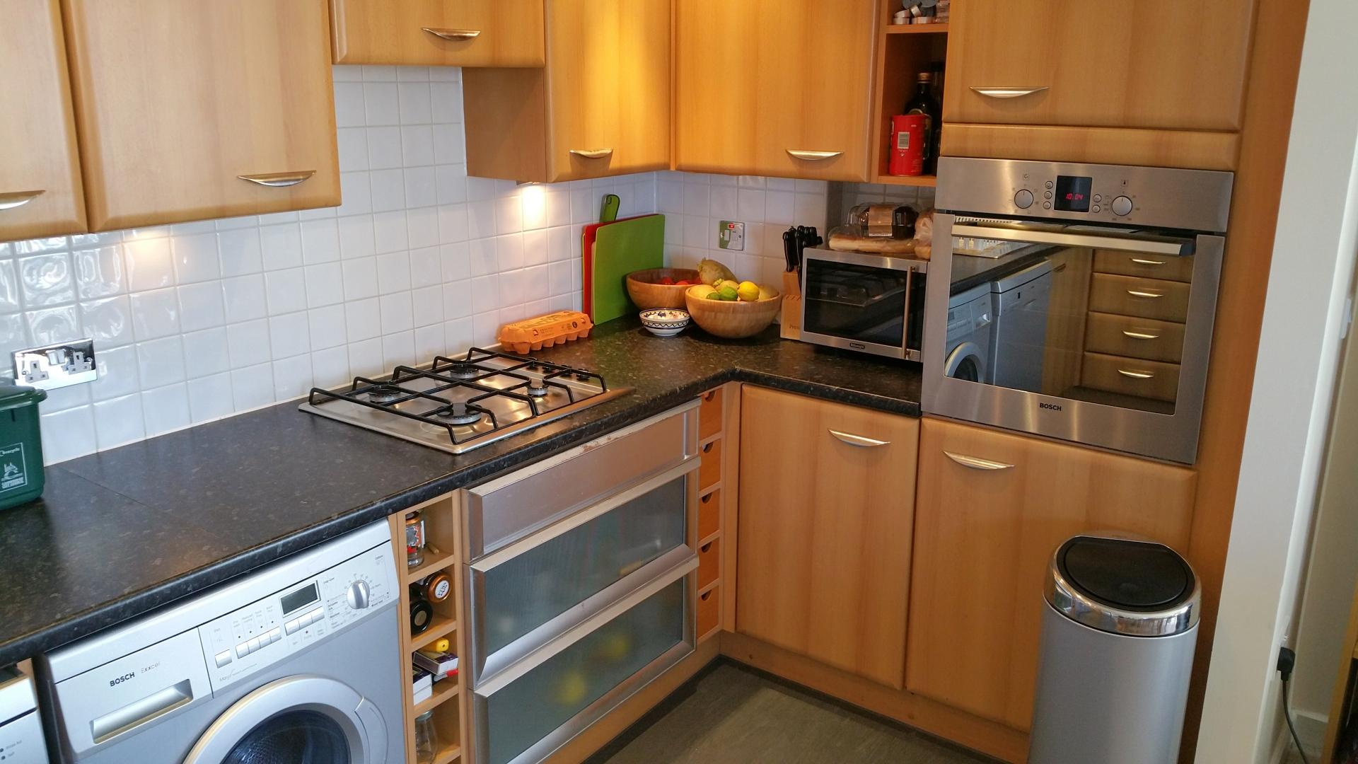 Full kitchen at Central Station Apartment, Mill Road, Cambridge - Citybase Apartments